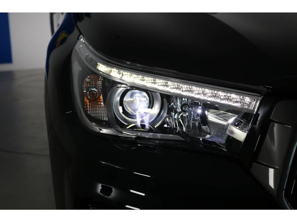 リフレクターヘッドライトで安全視界! | トヨタ ハイラックス 2.4 Z ディーゼルターボ 4WD Z 新車未登録車 11インチナビ