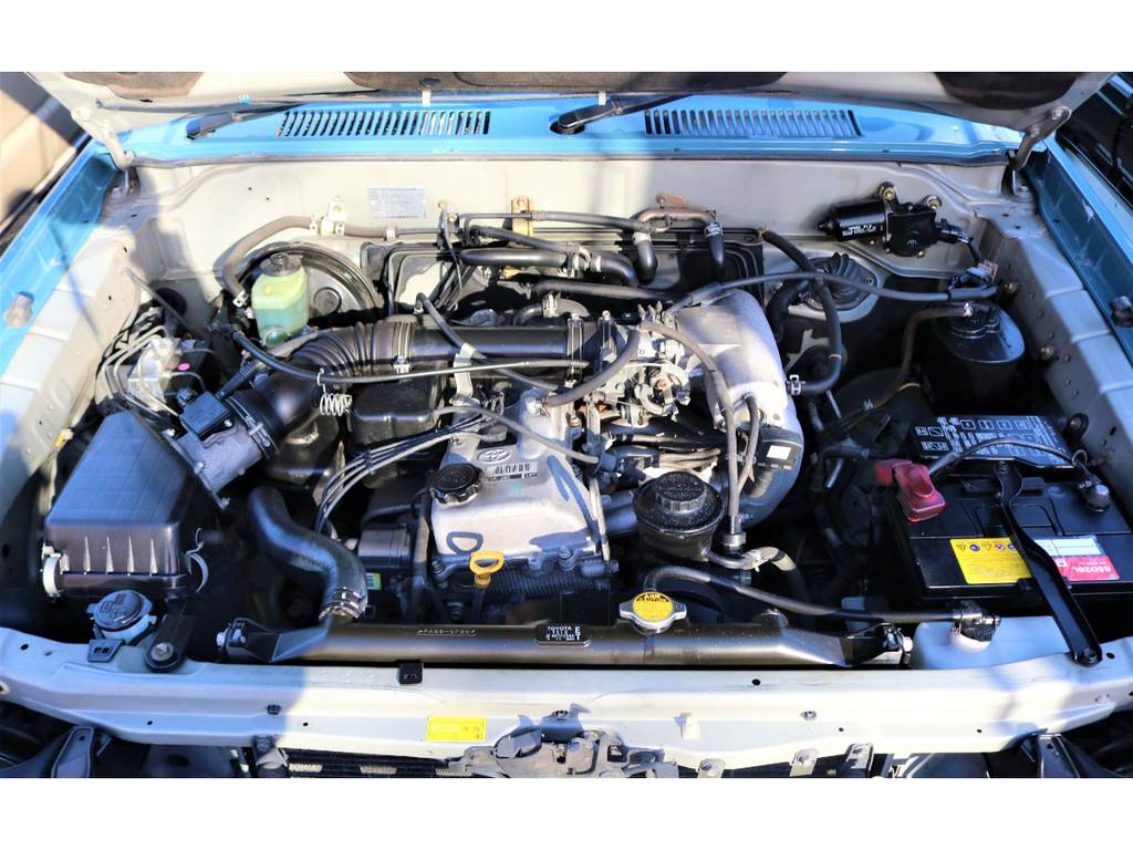 2700ccガソリンエンジンは大排気量ではないので自動車税が安く気軽にランクルライフを始められます♪