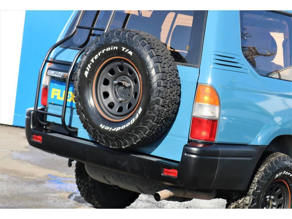 背面タイヤと梯子の組み合わせってTHE SUVって感じがしてとても好きです(笑)