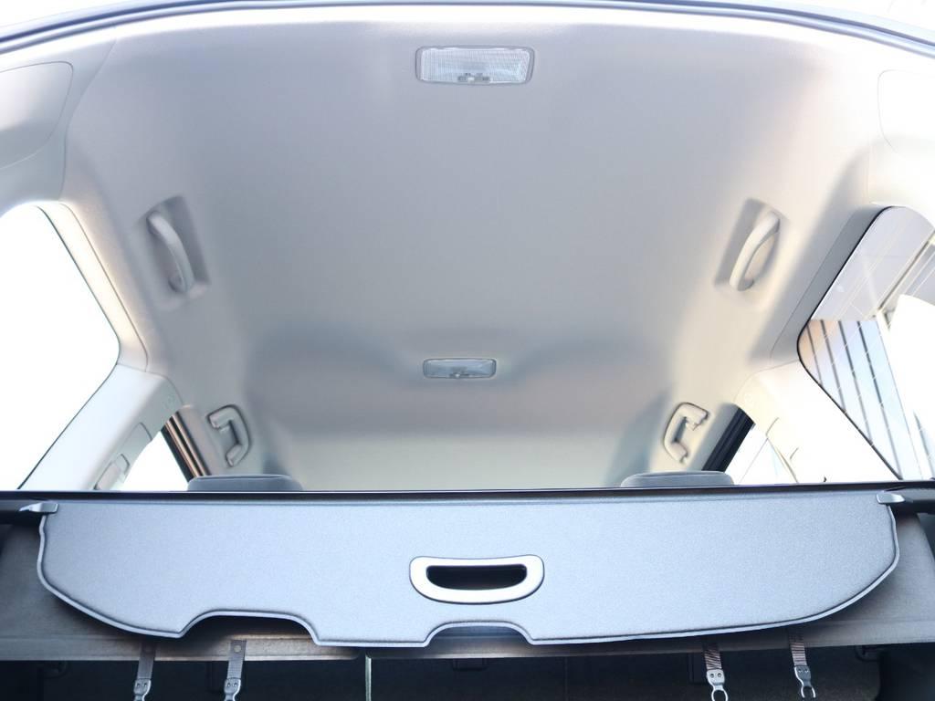 広々した天井!フリップダウンモニターの取り付け事例もございます。 | トヨタ ランドクルーザープラド 2.8 TX ディーゼルターボ 4WD 5人 新車未登録車 9インチナビ