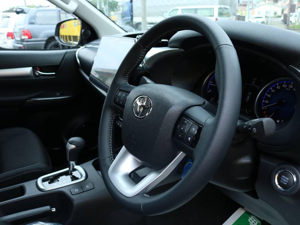 実際にご来店が難しい、遠方にお住まいのお客様もご安心ください!お電話やメールにてお車のご説明、ご覧になりたい箇所の追加画像、お見積書の郵送、と当店スタッフが丁寧に対応させていただきます★   トヨタ ハイラックス 2.4 Z ディーゼルターボ 4WD Z 11インチナビ&バックカメラ&ETC