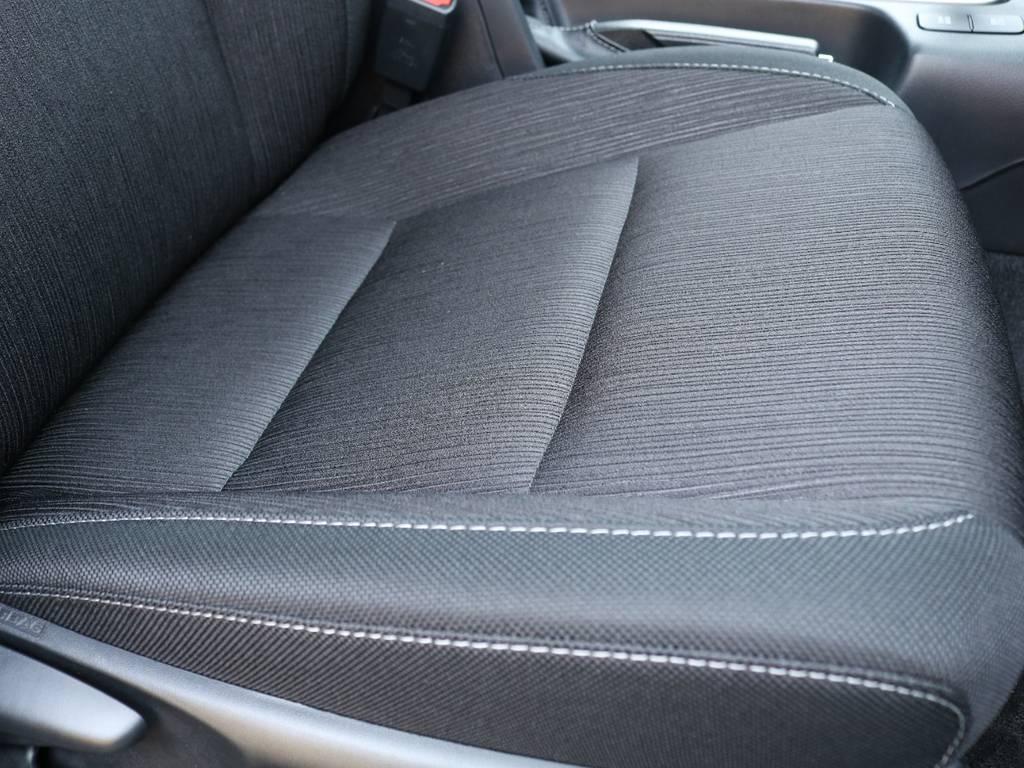 座り心地も良く疲れも軽減してくれるので長距離運転も楽々♪ | トヨタ ハイラックス 2.4 Z ディーゼルターボ 4WD Z 11インチナビ&バックカメラ&ETC