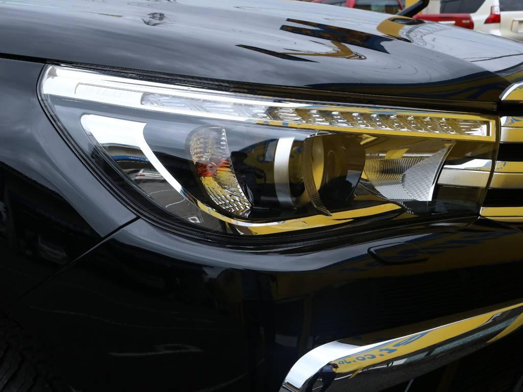 LEDヘッドライト(オートレベリング機能付) | トヨタ ハイラックス 2.4 Z ディーゼルターボ 4WD Z 11インチナビ&バックカメラ&ETC