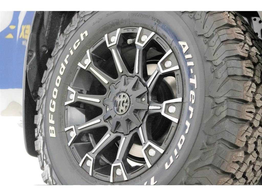 新品MG17インチホイール&新品BFグッドリッチATタイヤを装着致しました!   トヨタ ランドクルーザープラド 2.8 TX ディーゼルターボ 4WD 5人 新車未登録車 9インチナビ