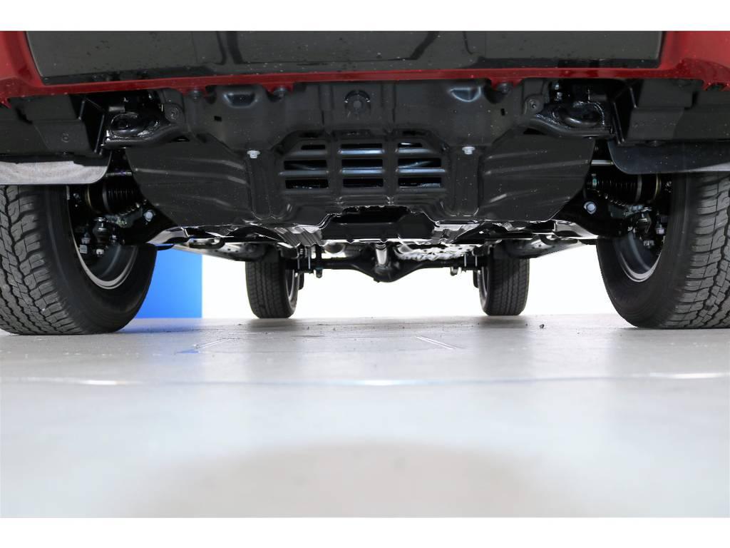 下回りももちろんピカピカです☆   トヨタ ハイラックス 2.4 Z ブラック ラリー エディション ディーゼルターボ 4WD 新車未登録車 11インチナビ