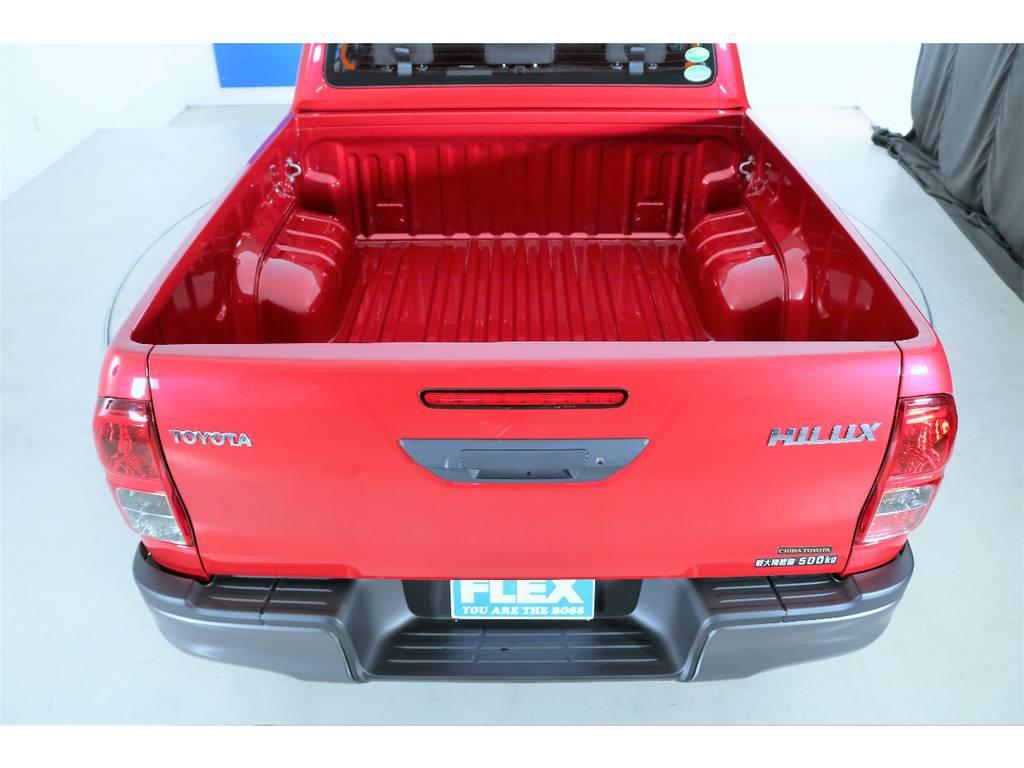雨、風、に強いデッキ☆ボディには防錆鋼板を採用☆   トヨタ ハイラックス 2.4 Z ブラック ラリー エディション ディーゼルターボ 4WD 新車未登録車 11インチナビ