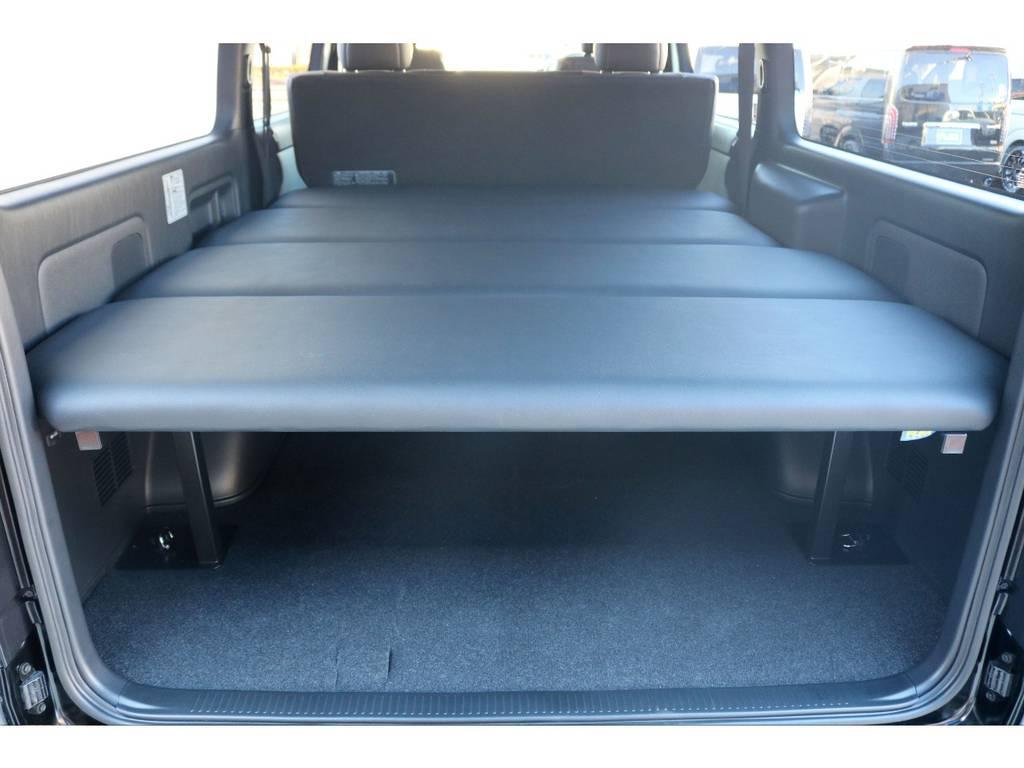 FLEXオリジナルベッドキットは高さの変更も5段階調整が可能です。居住空間と荷台空間のバランスがとれて快適です♪