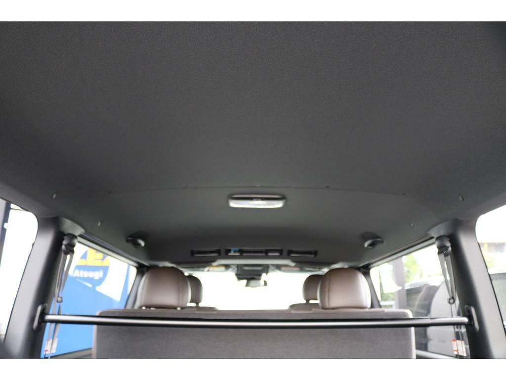 ルーフ&ピラーもブラック! | トヨタ ハイエースバン 2.8 スーパーGL 50TH アニバーサリー リミテッド ロングボディ ディーゼルターボ 4WD 50THナビPK