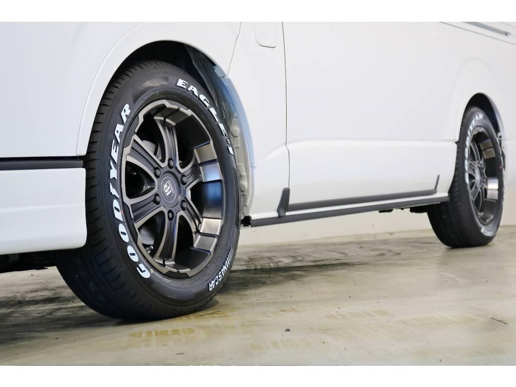 FLEX専用カラーのバルベロ17インチアルミホイール(ワイルドディープス)&グッドイヤー ナスカータイヤ