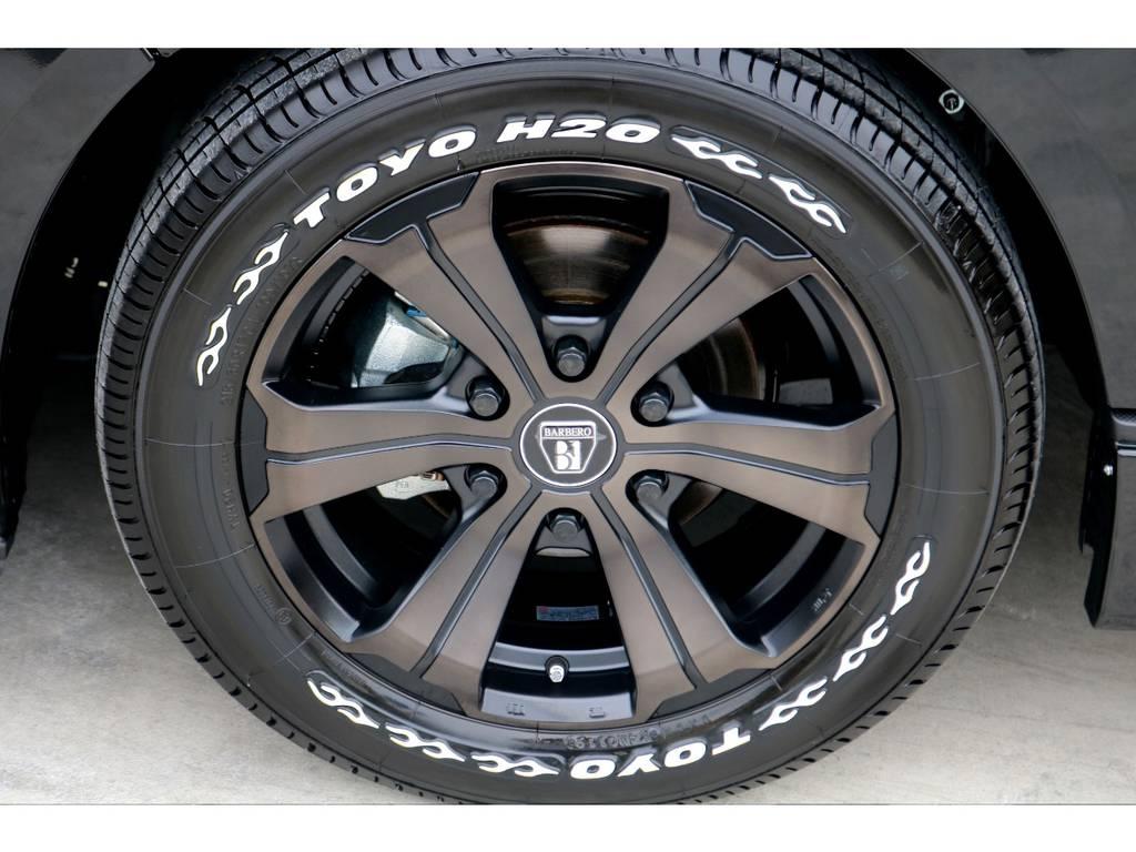 TOYO H20タイヤそ装着!ブラックカラーで統一された外観にホワイトレターのアクセントがお洒落です♪