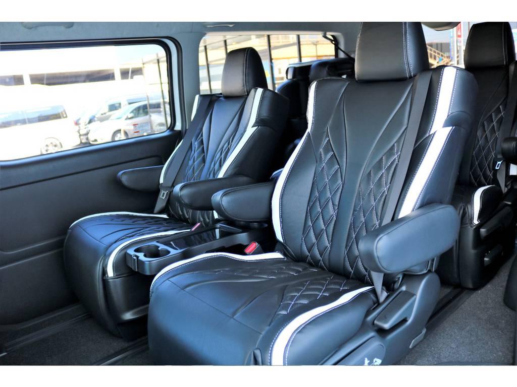 ファインテックツアラーの1番の特徴である、キャプテンシートを4脚搭載!快適なドライブにかかせない装備です♪