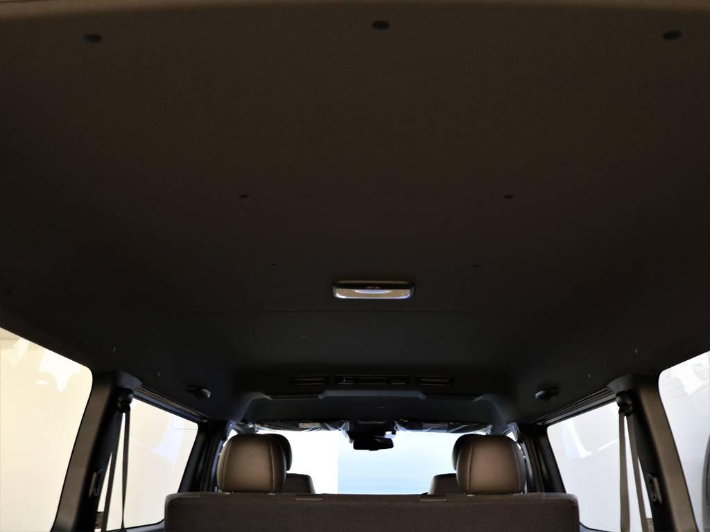 ルーフが黒になっているのもオシャレですね! | トヨタ ハイエースバン 2.7 スーパーGL 50THアニバーサリー リミテッド ワイド ミドルルーフ ロングボディ4WD 50TH