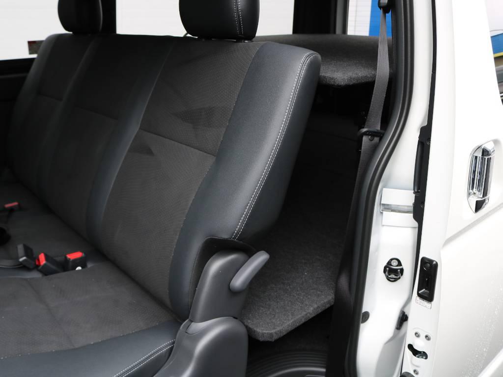 ダークプライムⅡ内装はルーフ&ピラー&セパレーターバーが黒色に!より質感が向上!