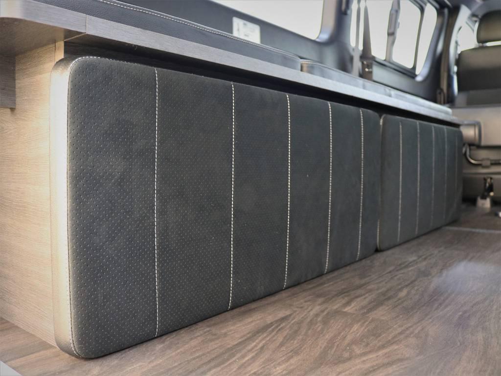 外したベッドマットは両端の家具にペッタリと収納可能!