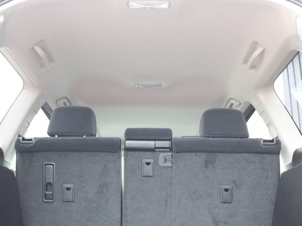 天張りはもちろん綺麗です☆ | トヨタ ランドクルーザープラド 2.8 TX ディーゼルターボ 4WD 7人 新車未登録車 9インチナビ