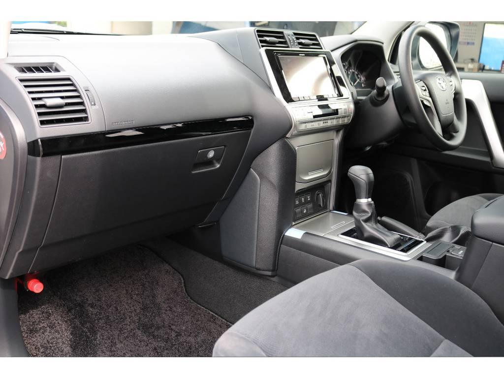 シートの座り心地も良いです♪ロングドライブでもきっと楽しい移動時間になる事でしょう★ | トヨタ ランドクルーザープラド 2.8 TX ディーゼルターボ 4WD 5人 17AW&KO2 9ナビBカメ