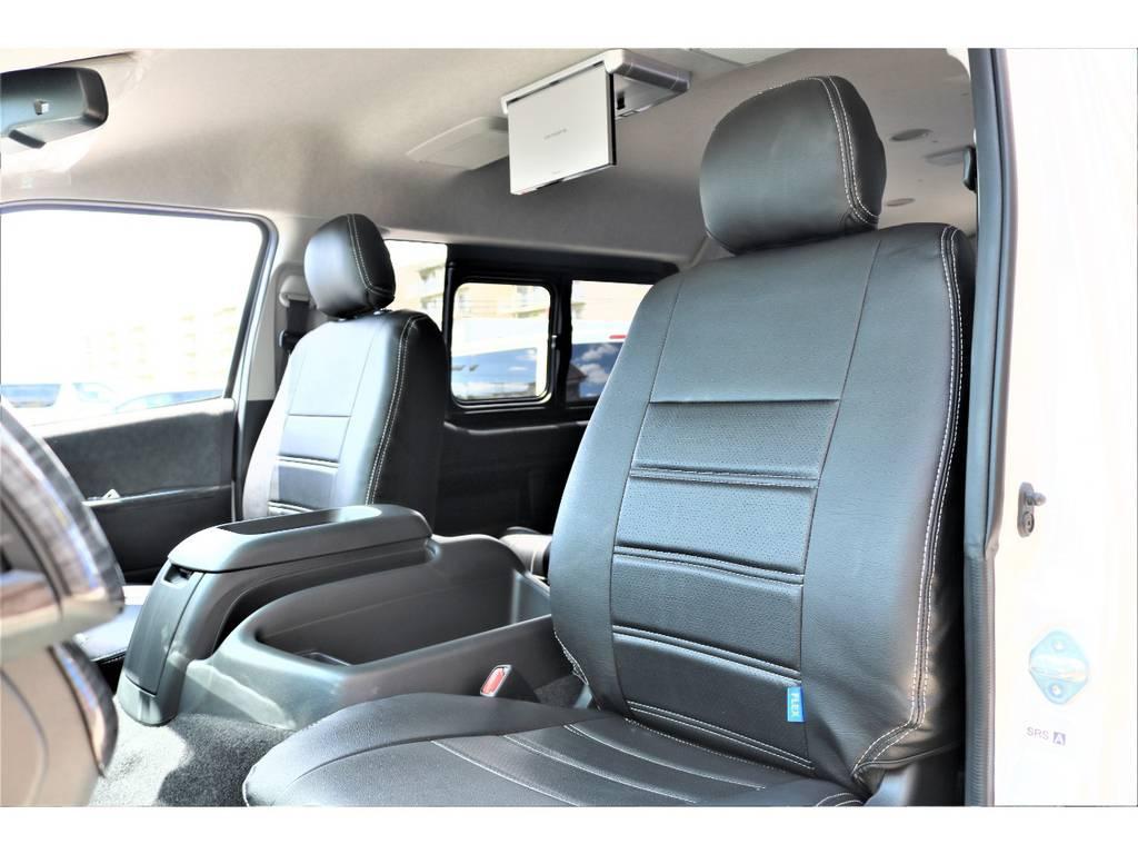 黒革調のシートカバーを装備!! | トヨタ ハイエース 2.7 GL ロング ミドルルーフ アレンジAS施工