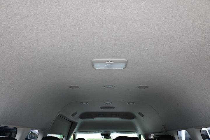 ハイルーフなので車内も広々しています!