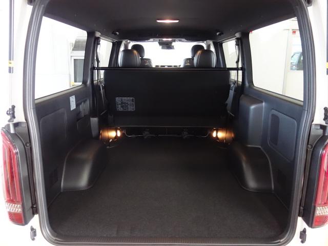 新車ハイエースVダークプライムⅡ2000ガソリンナビパッケージ完成致しました!!