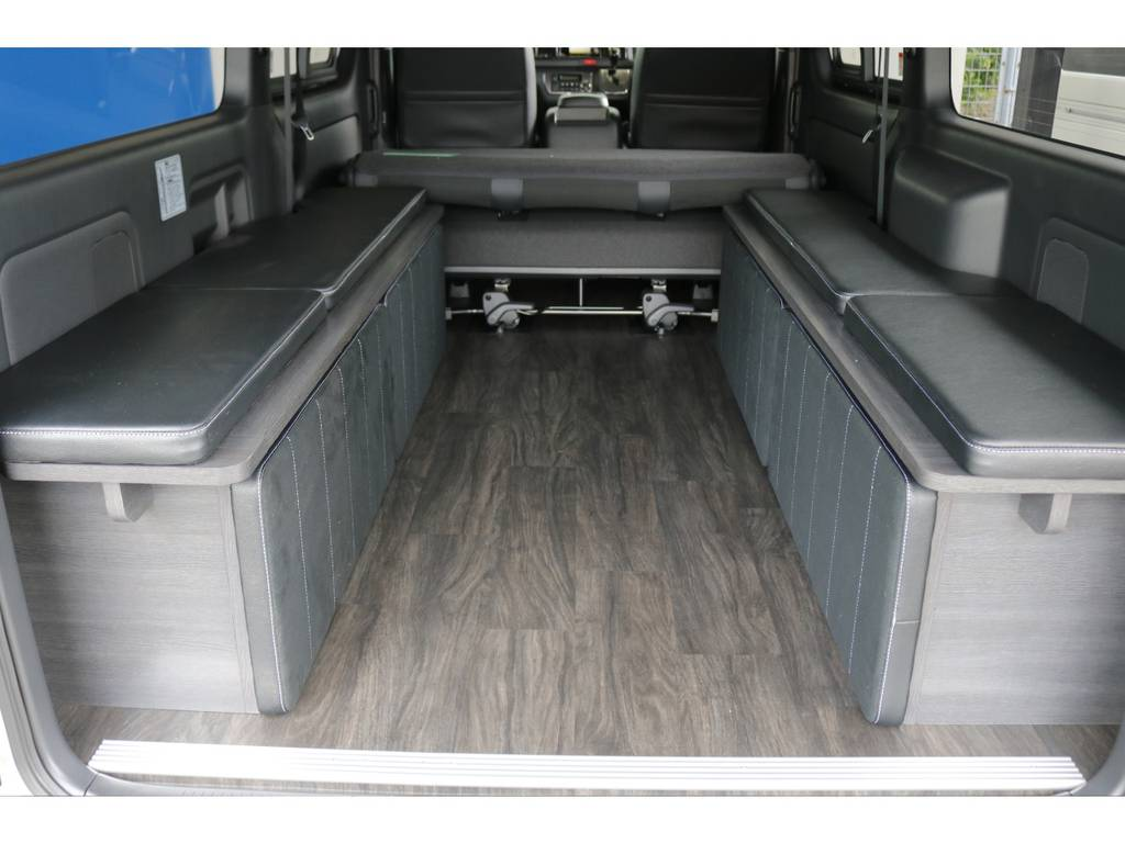 マットは着脱可能で収納スペースもありますので広く室内お使い頂けます!!