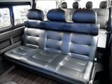 セカンドシートは3人掛けベンチシートに変更しました!!