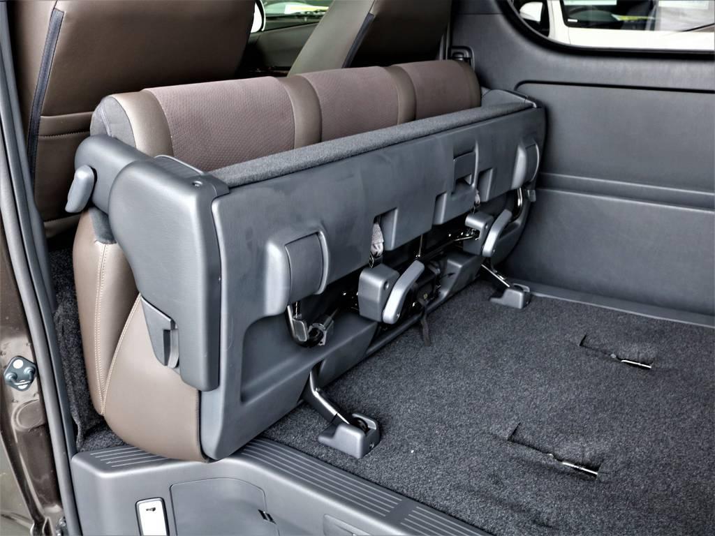 セカンドシートは折りたたみ可能です! | トヨタ ハイエースバン 2.0 スーパーGL 50TH アニバーサリー リミテッド ロングボディ