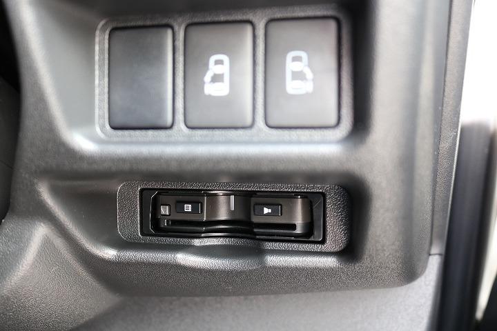 ワゴンタイプで両側パワースライド機能付きなのは、ファインテックならではですね!