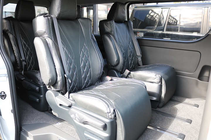 オットマン機能付きでユトリを持ってお座りいただけるセカンドシート!