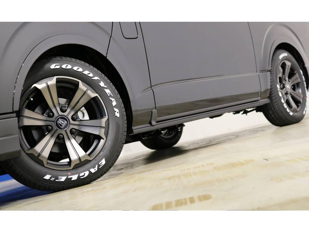 FLEX専用カラーのバルベロ17インチアルミホイール(アーバングランデ)&グッドイヤー ナスカータイヤ!車検対応のFLEXオリジナルフェンダーも装着!