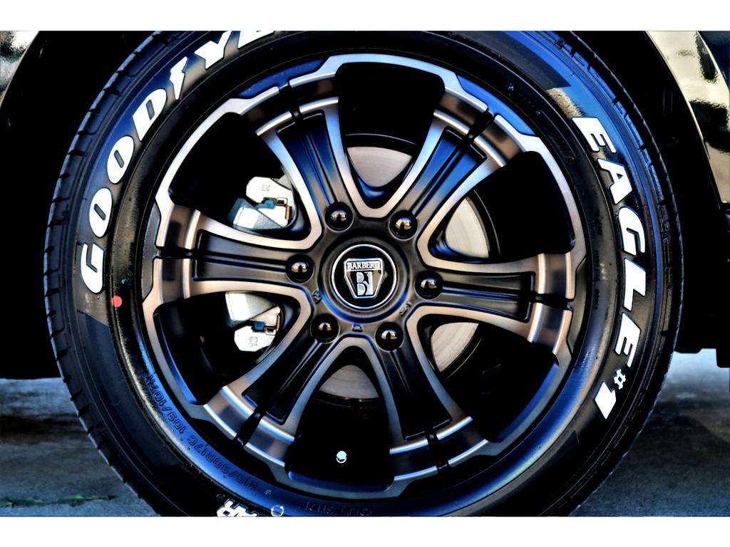 足元にはバルベロWD17インチAWにナスカーホワイトレタータイヤをチョイス!!