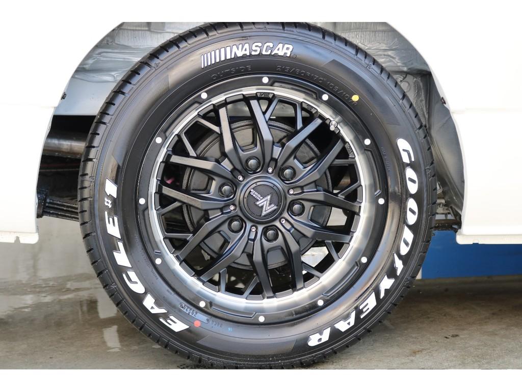 SUV業界では有名なナイトロパワーのホイールを装着済み!何度見てもカッコいいです!
