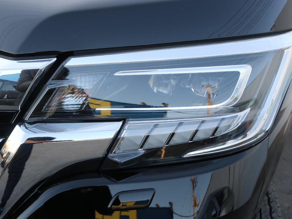 ヘッドライトはLEDが標準装備!