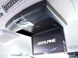 アルパインフリップダウンモニター付きで後部座席も楽しく過ごせます!