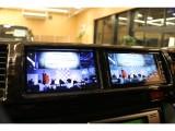 【サブモニター完備】ナビとオーディオ画面やバックカメラ映像を同時に視聴できます。