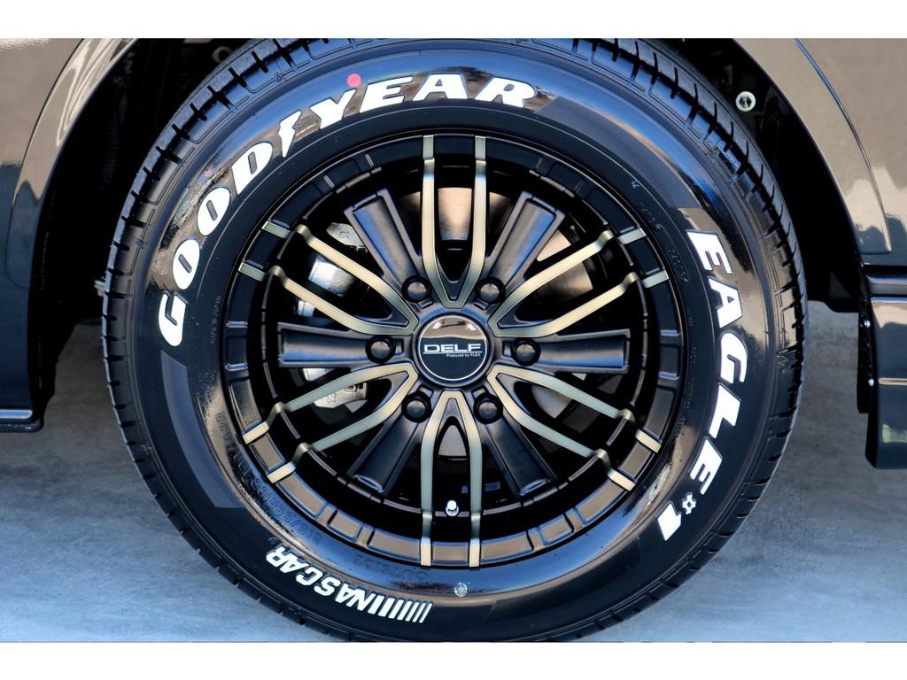 足元にはFLEXオリジナル DELF01 16インチアルミにナスカー ホワイトレタータイヤをチョイス!!