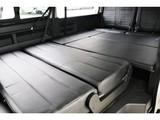 アレンジREV02内装カスタム!車中泊においてこれだけのベッドスペースの確保は魅力的です!