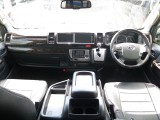 マホガニー調インテリアパネルキットで運転席周りに高級感を演出♪
