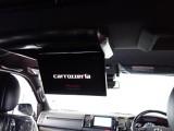 新車ハイエースVダークプライムⅡ床張りベットKITフリップダウン、ルーフスピーカー装備のファミリーパッケージ完成致しました!!