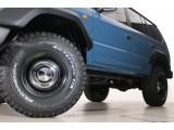 オーバーフェンダー付きですので迫力のある大型タイヤがとても良く似合ってます☆