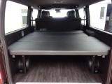 新車ハイエースVダークプライムⅡ床張りベットKITパッケージ完成致しました!!店頭在庫車、即納車可能になります!!