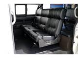 アレンジA-S、セカンドシートは3人掛けシートでゆったりと座れます