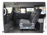 セカンドシート1200サイズ搭載!前後、左右に移動可能!