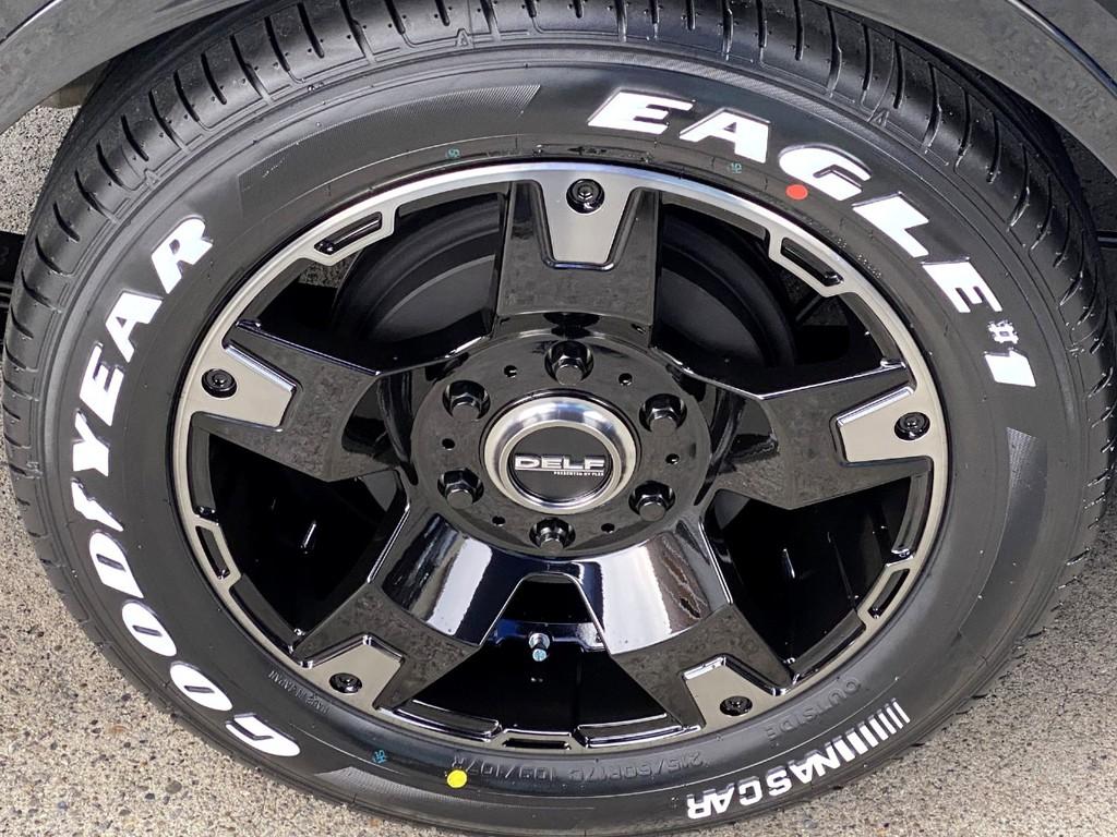 足元にはFLEXオリジナル Delf03 17インチアルミにナスカータイヤをインストール!!
