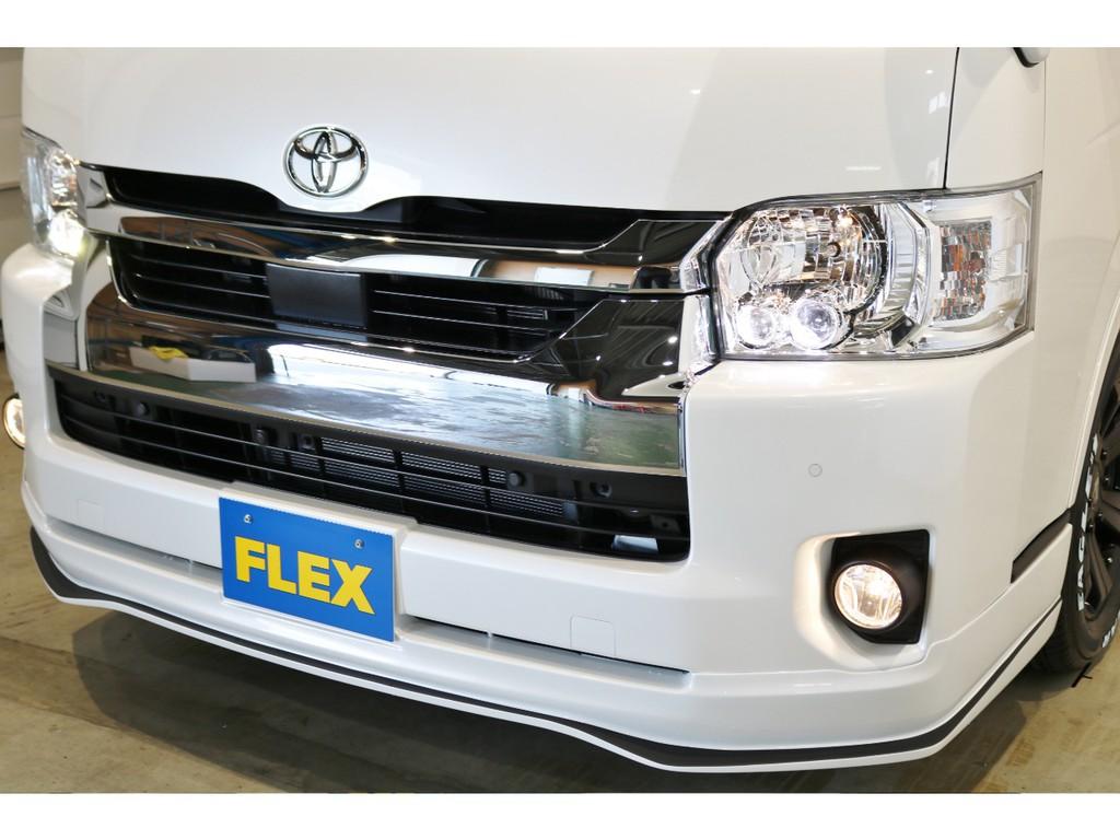メーカーオプションのLEDヘッドライト&コーナーセンサーで安心して運転できます!