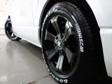 新車ハイエースVダークプライムⅡ床張りベットナビパッケージ完成致しました!!店頭在庫車、即納車もご対応可能になります!!