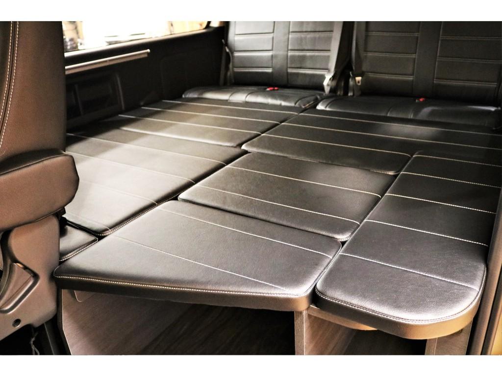 【内装架装】3列目シートを取り外しフラットなベッド仕様となっております★