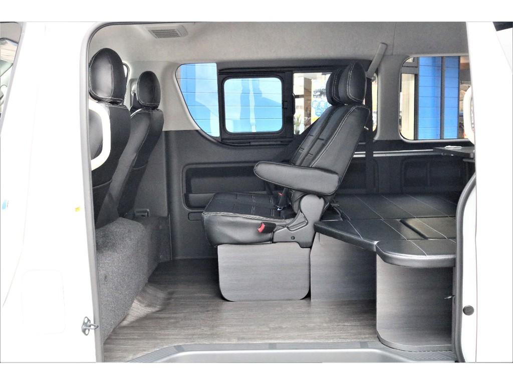 乗り降りのしやすい&後ろへの行き来のしやすい内装架装車両