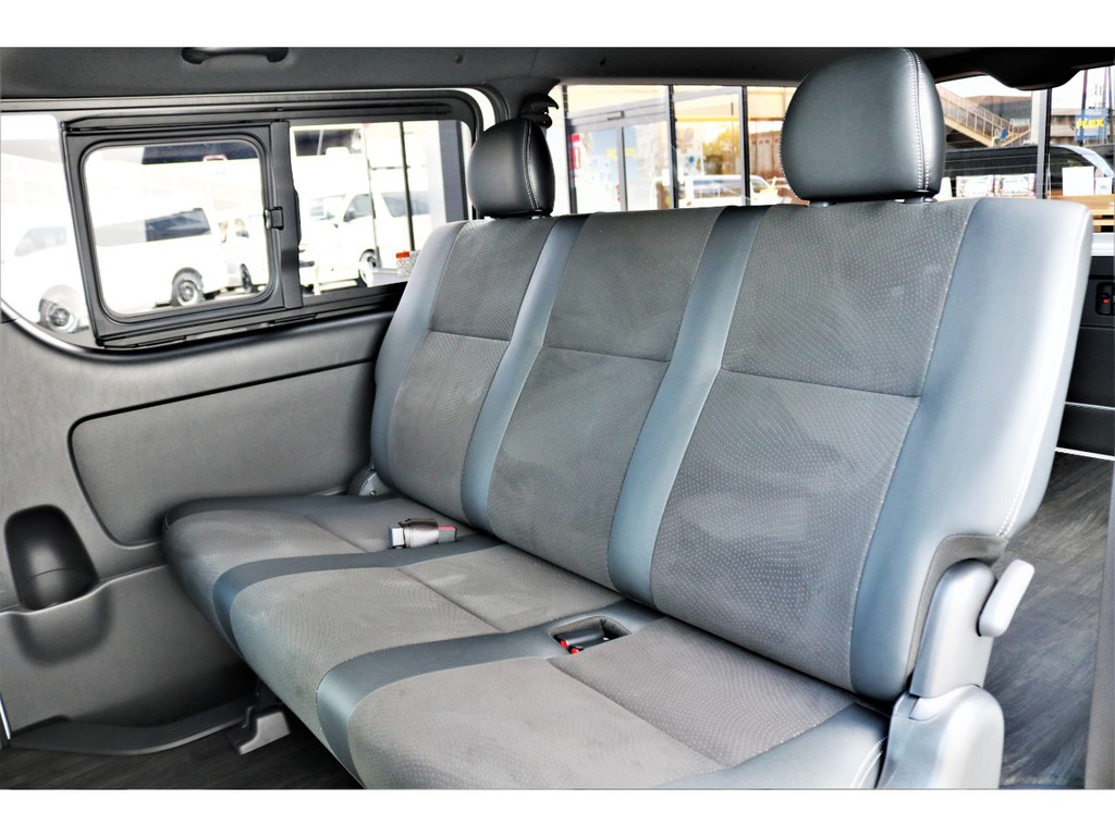 専用シートは高級感もあり、座り心地も良いですよ!!