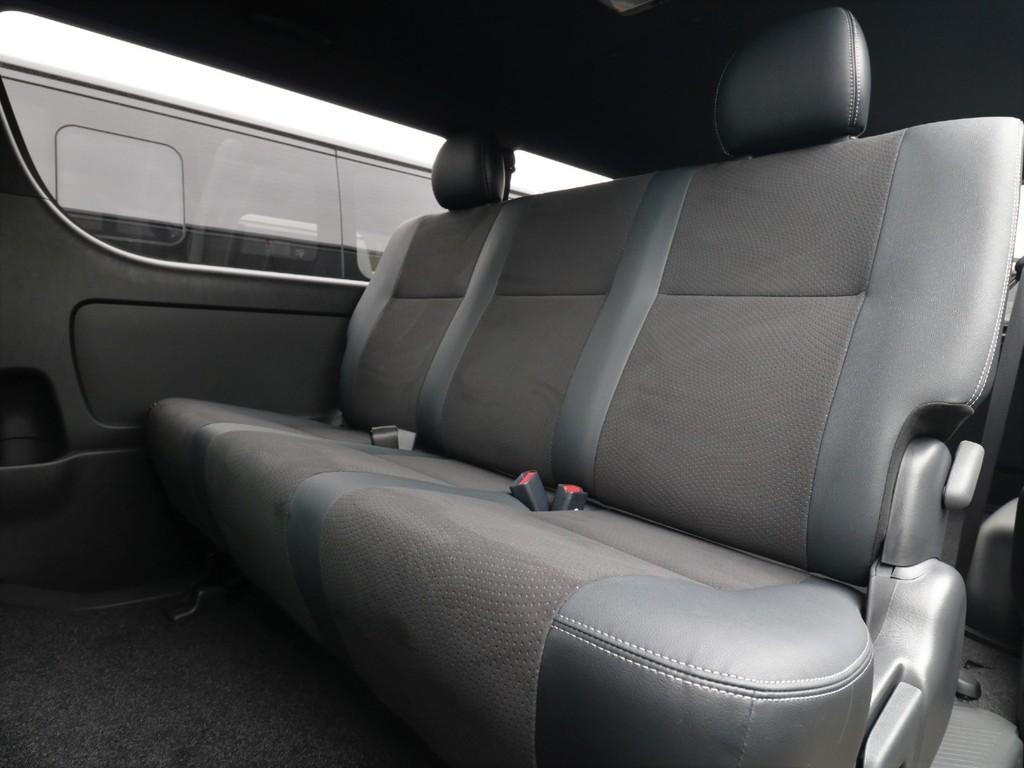 シートデザインも特別仕様車仕様となります!