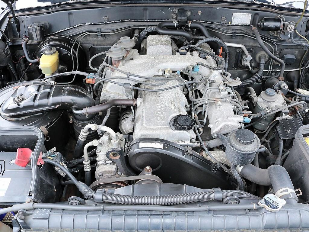 4.2ディーゼルターボエンジン。大きなボディーをグイグイ引っ張ってくれます!